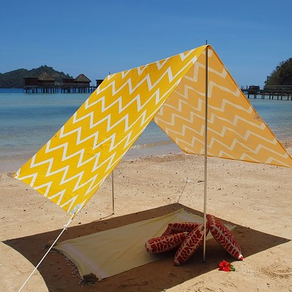 SOMBRILLA  BEACH SHADE- CHEVRON YELLOW